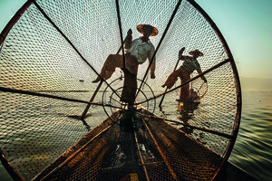 Wandbild Intha Fishermen by Michele Martinelli