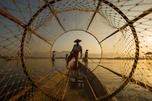 Wandbild Inle Fisherman by Guanarto Song, 1x.com