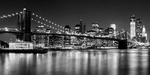 Wandbild Night Skyline MANHATTAN Brooklyn Bridge | Monochrom